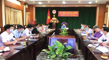 SAIGONTEL, ROLAND BERGER HAS MEETING WITH HAI DUONG PROVINCE'S LEADERS ON SOCIALIZATION AND PROVINCE PLANNING IMPLEMENTATION